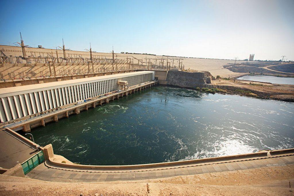 Асуанская плотина Египет