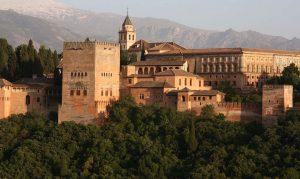 замок Альгамбра Испания достопримечательности