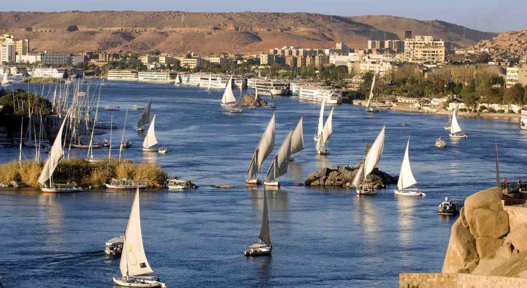 Асуан с воды Египет