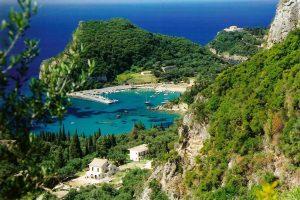 Палеокастрица - самый красивый курорт на Корфу Греция бухта