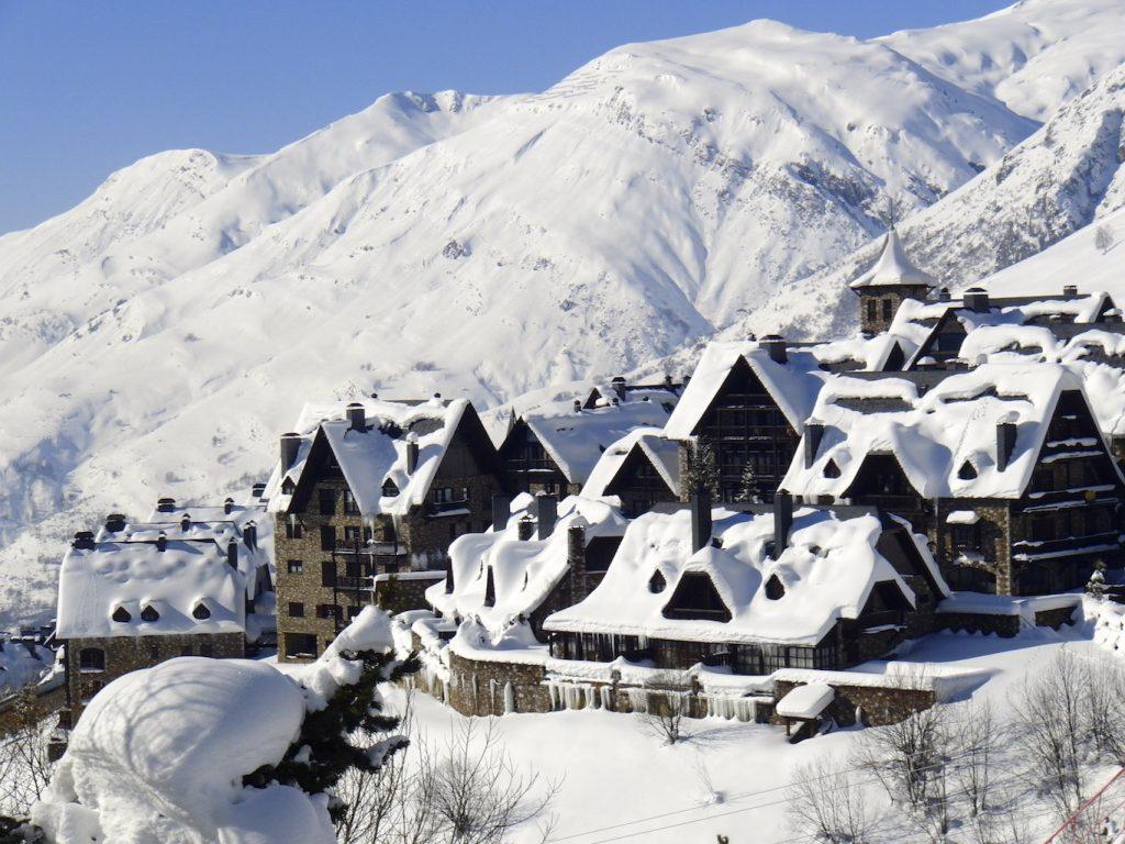 Бакейра-Берет Испания горные лыжи курорт