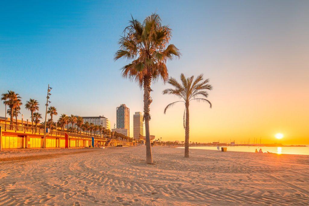 лучшие пляжи Барселоны Испания