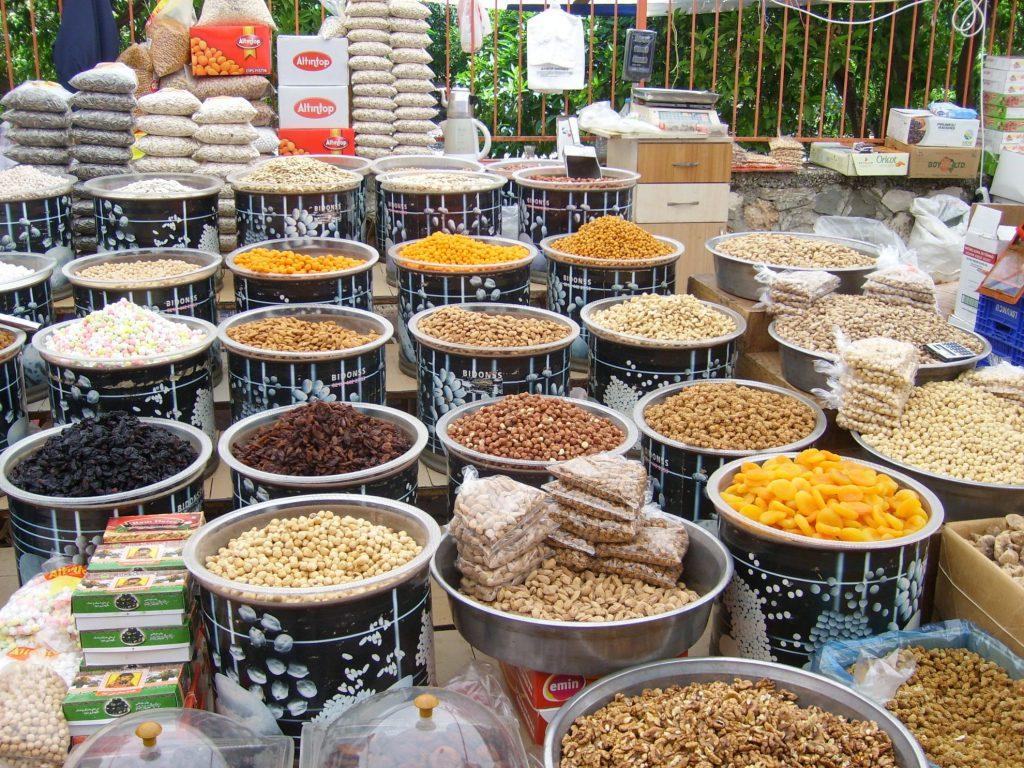 Продовольственный рынок в Кемере