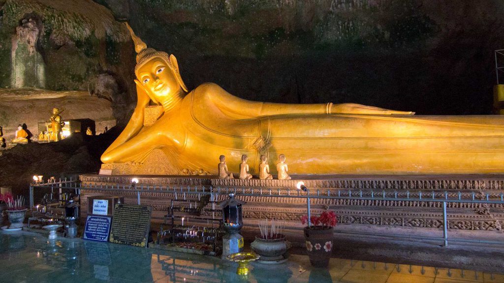 Бангкок Храм лежащего Будды